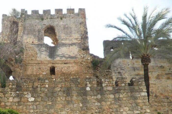 Castillo de Marbella y muralla